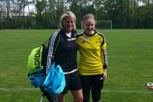 Lotta beim DFB-Sichtungsttraining mit DFB-Torwarttrainerin Silke Rottenberg