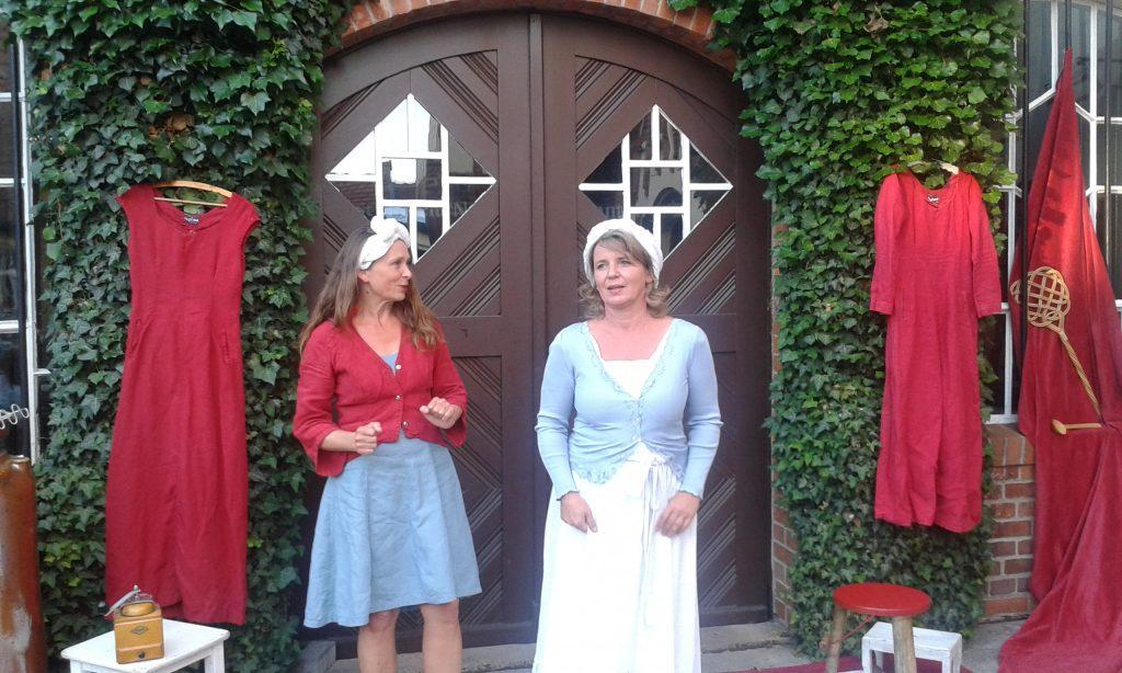 Märchenerzählerinnen auf der Reise durch den Landkreis Sömmerda