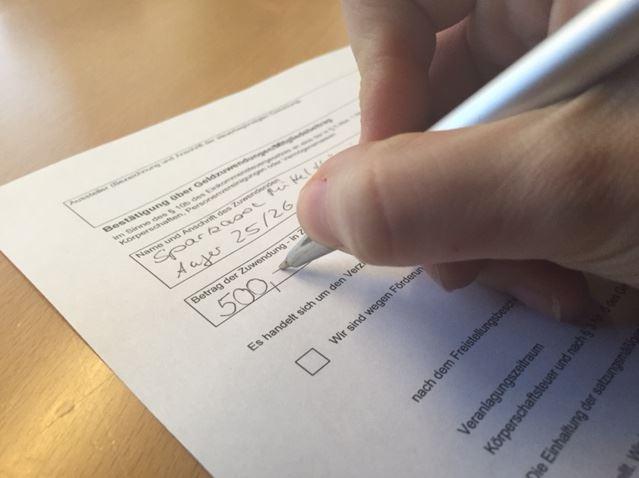 Die Spendenbestatigung Ein Kleiner Wegweiser Fur Vereine Blog Der Gossten Sparkasse In Turingen