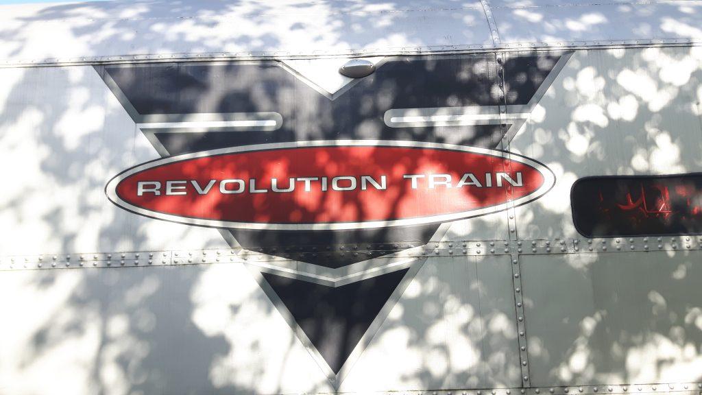 Ein revolutionärer Zug, der die Augen öffnet