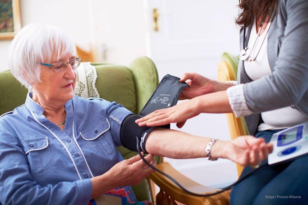 Wie die gesetzliche Rentenversicherung häusliche Pflege fördert