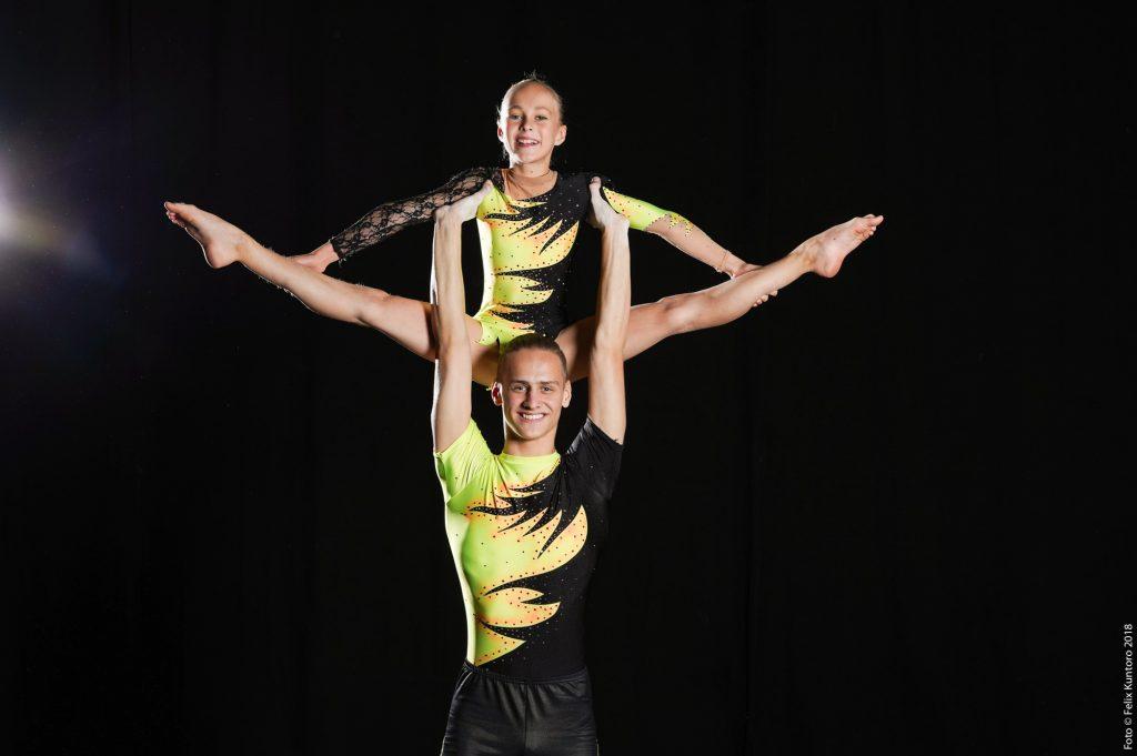 Handstandüberschlag, Saltos, Hebefiguren oder Spagat – das sind unsere Sportstipendiaten